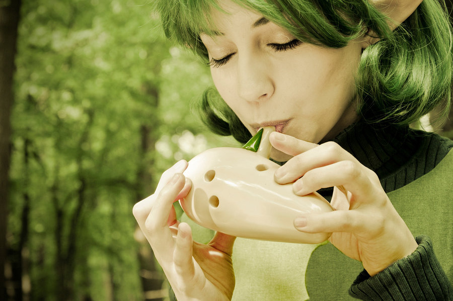 Saria from Legend of Zelda: Ocarina of Time Cosplay by Akuriko