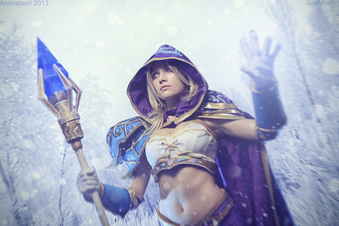 It's surprising that you don't see more Jaina Proudmoore cosplayers out there, considering how important the character is to World of Warcraft's extensive lore.  Narga-Lifestream capitalizes on this fact and brings the ruler of Dalaran, leader of the Kirin Tor, and one of the most powerful magic-wielders in  the game to life with aplomb.