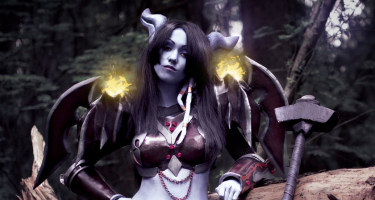 draenei-warrior-cosplay-featured