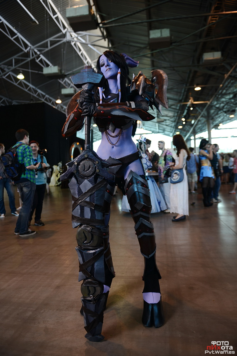 World of Warcraft Draenei Warrior Cosplay by FeyischeWorld Of Warcraft Cosplay Warrior