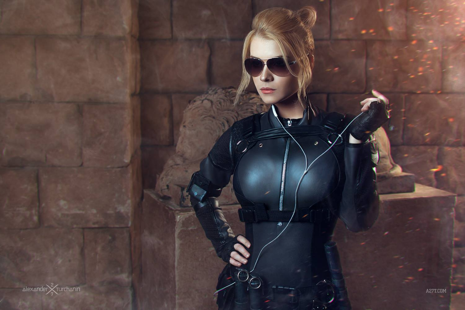Russian cosplayer extraordinaire CaptainIrachka is the spitting image of bubble-gum blowing, pistol-popping, skintight leather bodysuit wearing Special Forces agent Sgt. Cassandra Carlton Cage from Mortal Kombat X.  Don't stare for too long though; let the daughter of Sonya Blade and Johnny Cage take a selfie on you and it'll be your last time checking anyone out.