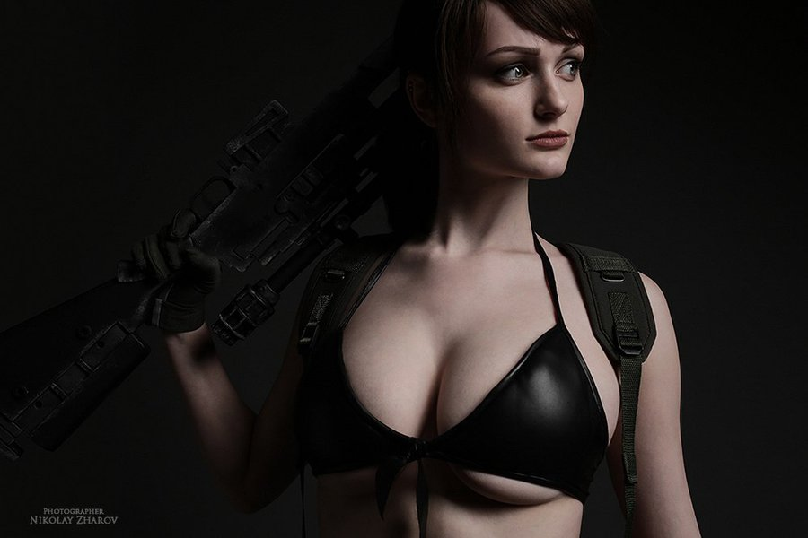 metal-gear-solid-v-quiet-cosplay-tniwe-10