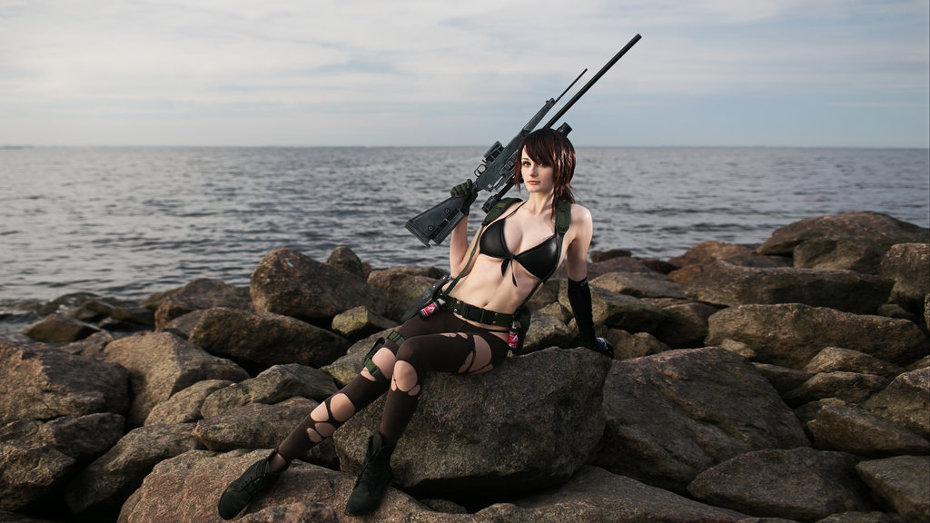 The deadly and minimally clothed (though she's one of the few characters with an in-game explanation for it; damn clothing suffocating her parasite-treated skin) assassin from Metal Gear Solid V: The Phantom Pain, Quiet, becomes a reality thanks to Russian cosplayer Tniwe.