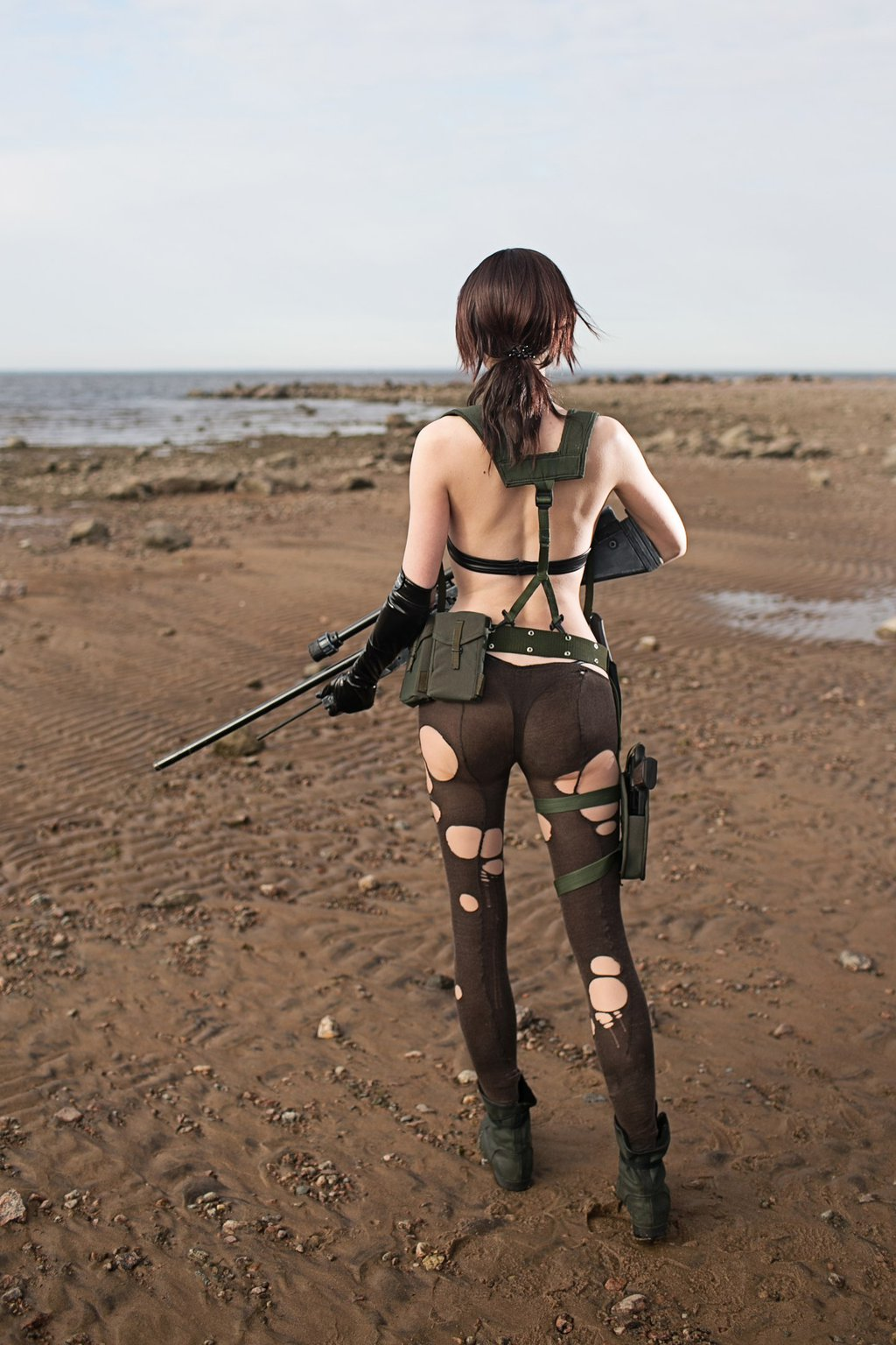 Metal Gear Solid V Quiet Cosplay Gaming