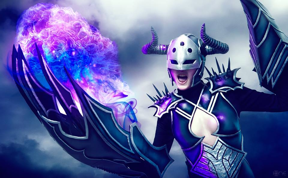 League of Legends: Darkflame Shyvana Cosplay by Captain Izzy