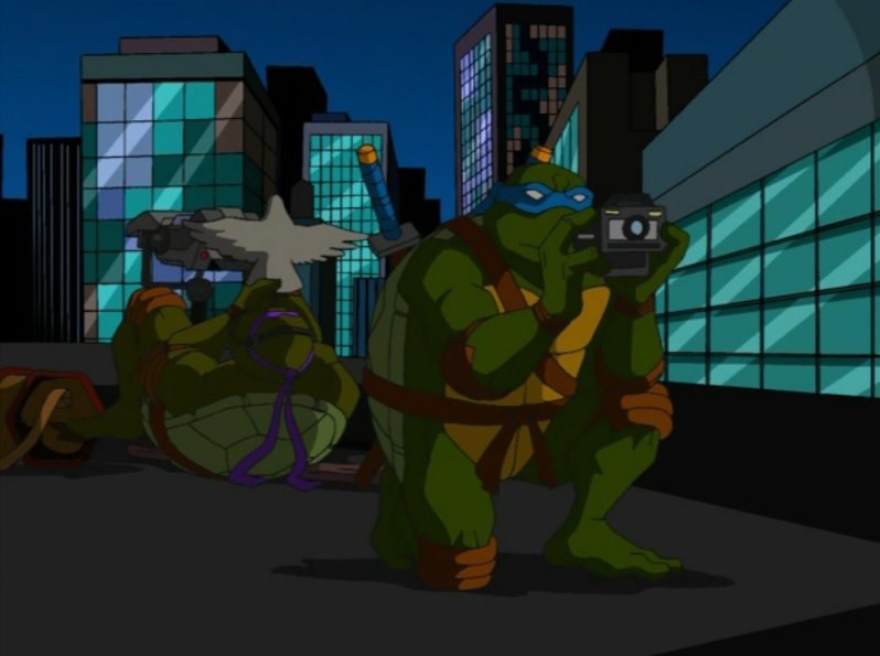 Hey, we're at the end of the season! I should have divided these reviews up better; I just didn't want to break up any of the multi-parters, but now I've got a 3-episode article. So to beef this one up, I'll also be talking about the first series of Teenage Mutant Ninja Turtles shorts that were broadcast with the 4Kids cartoon on Fox. Next season, I'll chop the episodes up evenly, multi-parters be damned.Season 1 feels like it should have ended last review. The Foot Clan is defeated (ha), the Shredder is dead (HA!) and the arc for Year One is pretty much done. But no, season 1 is hanging in there for three more episodes. With the Shredder out of the way, we can learn more about the Guardians, their strange trio of unison-talking masters, the alien technology fished from the East River and all that other stuff the show's been so coy about.