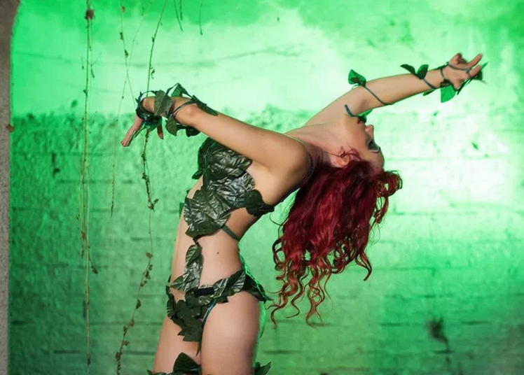 Batman: Poison Ivy Cosplay by Laura Crystal