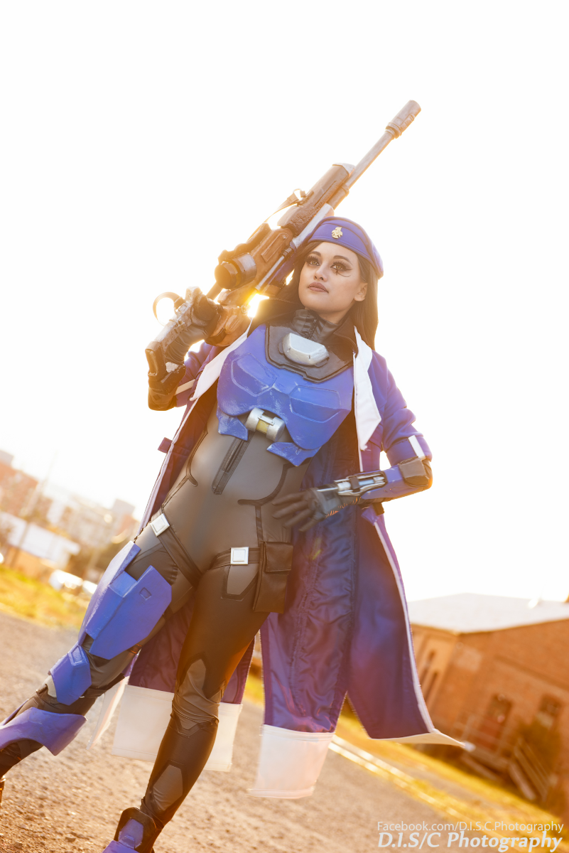 captain-amari-cosplay-lunar-crow-2