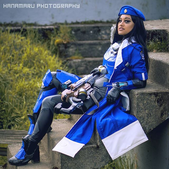 captain-amari-cosplay-lunar-crow-8