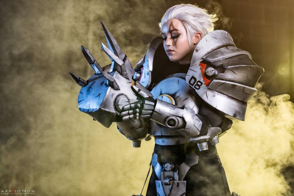 overwatch-reindhart-cosplay-by-crash-candy-2