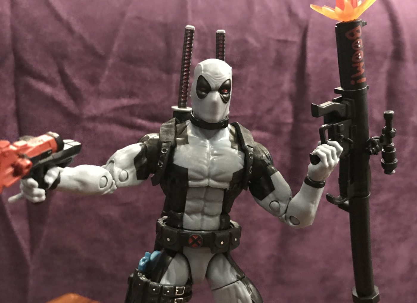 We review the HASCON exclusive Marvel Legends X-Force Deadpool.
