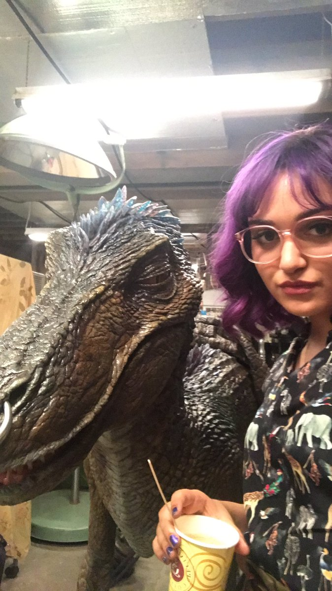 Behind The Scenes Look At Old Lace From Marvel S Runaways
