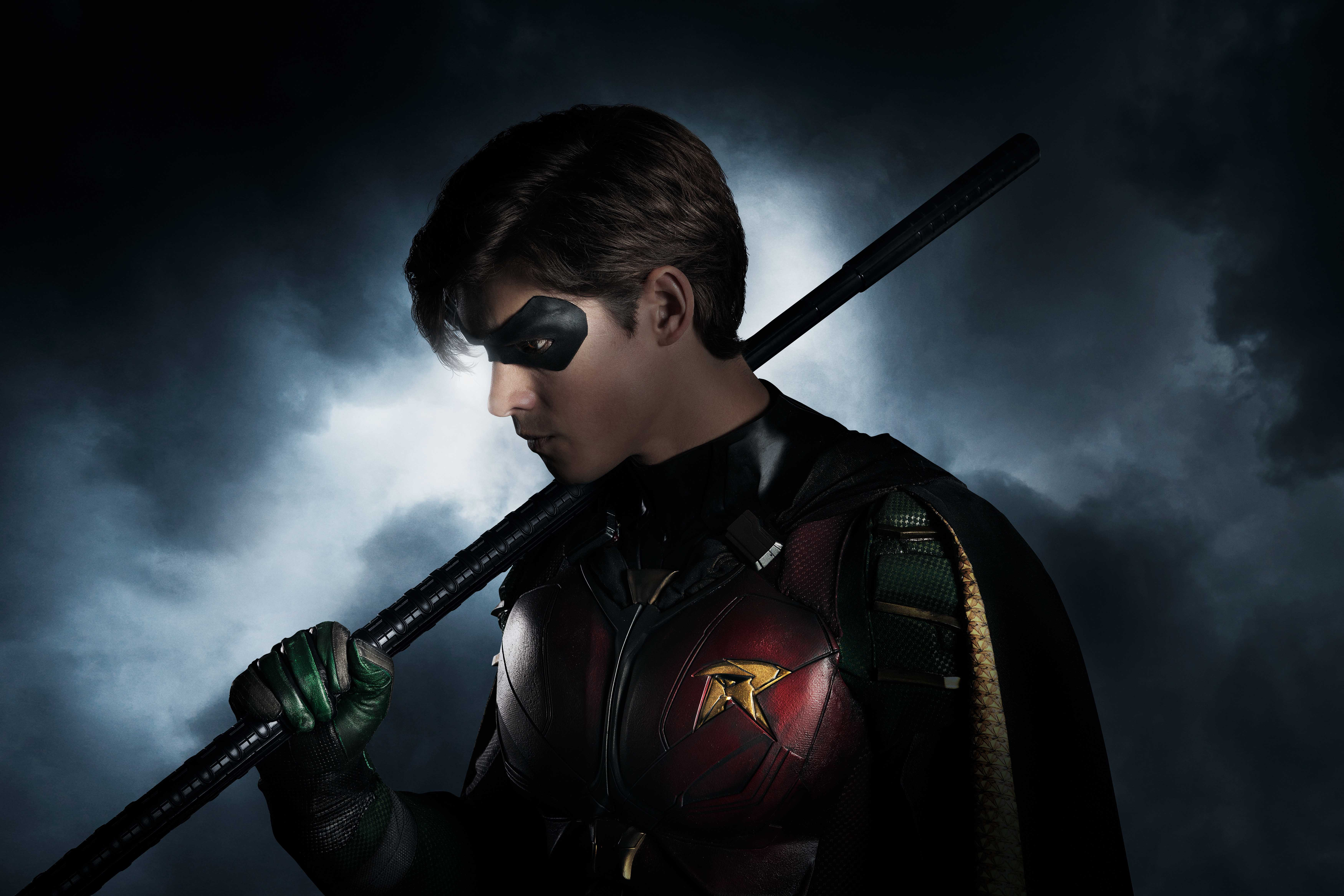 Titans: Brenton Thwaite shares new images in Robin costume