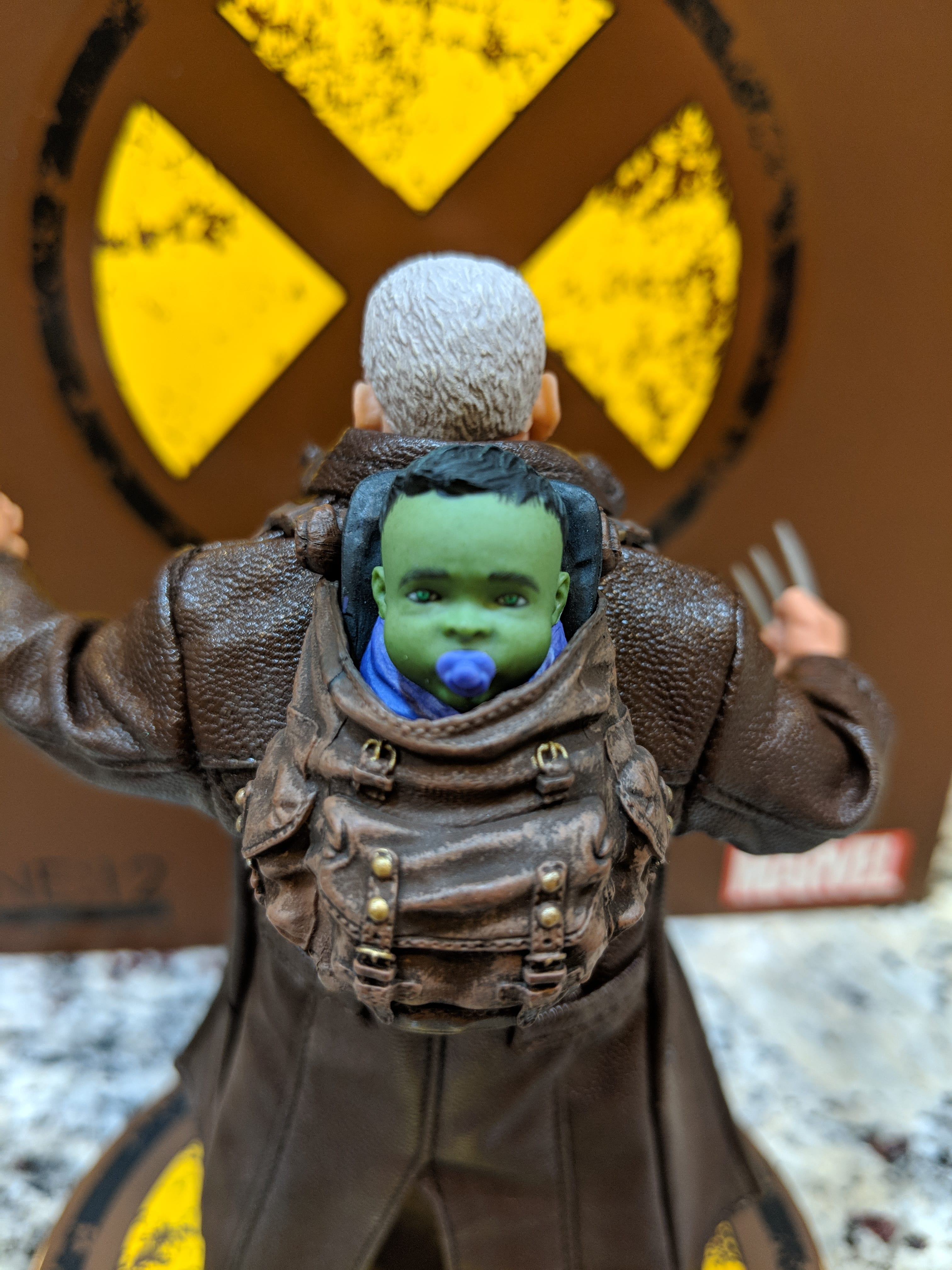 Unboxing/Review: Mezco One:12 Collective Old Man Logan Figure