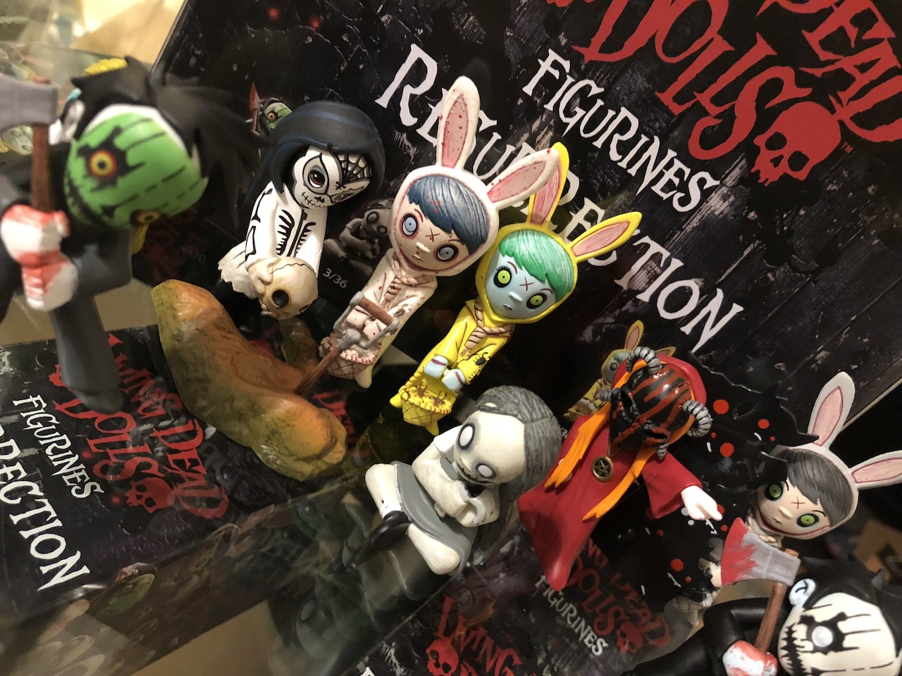 Birthday Mezco Blindbox Unboxing: Living Dead Dolls Resurrection Series 1