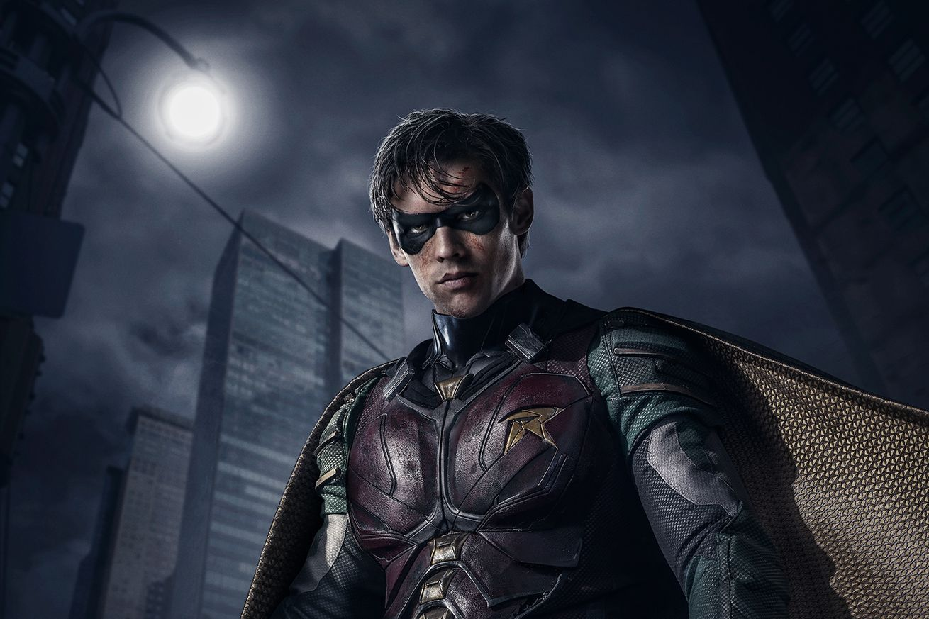 """F*ck Batman,"" a hyper-violent Robin and more in the official 'Titans' trailer"