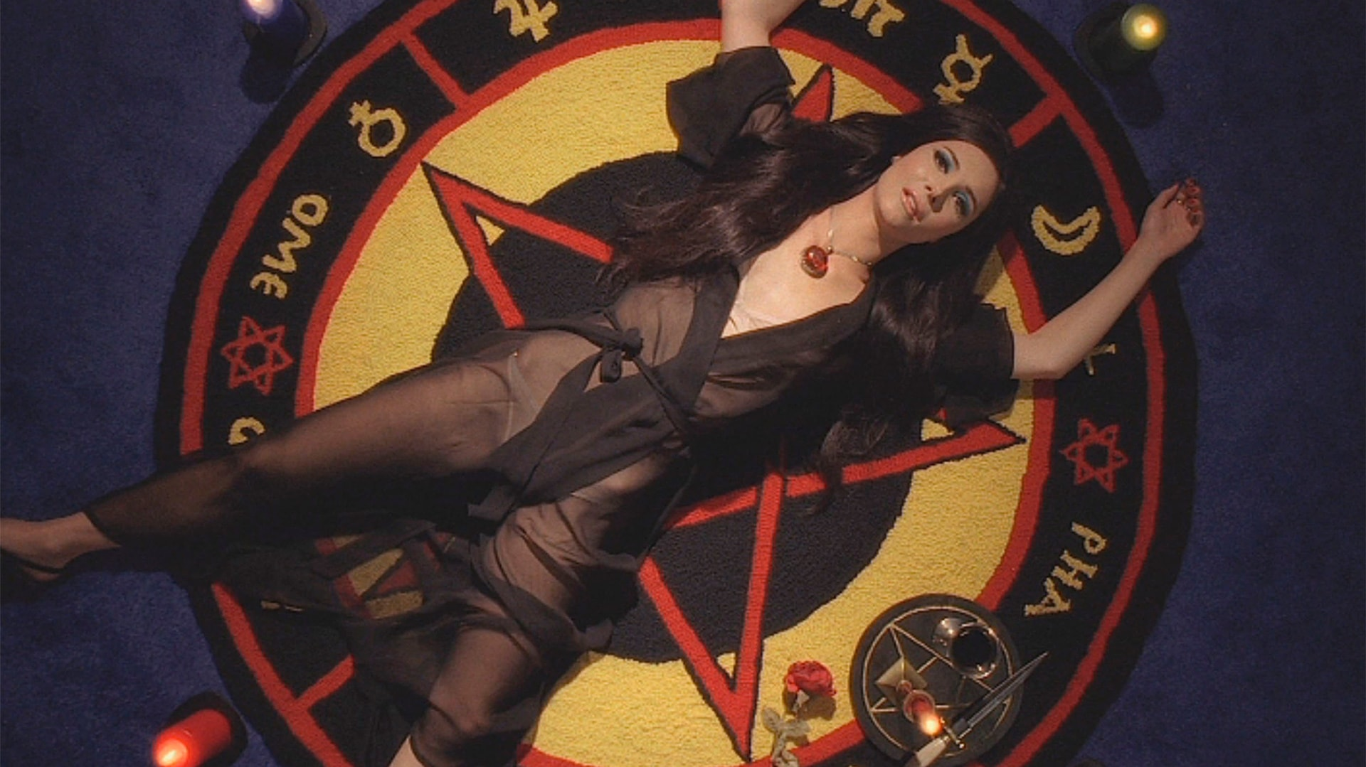 The Love Witch Review: Amazing style with little substance