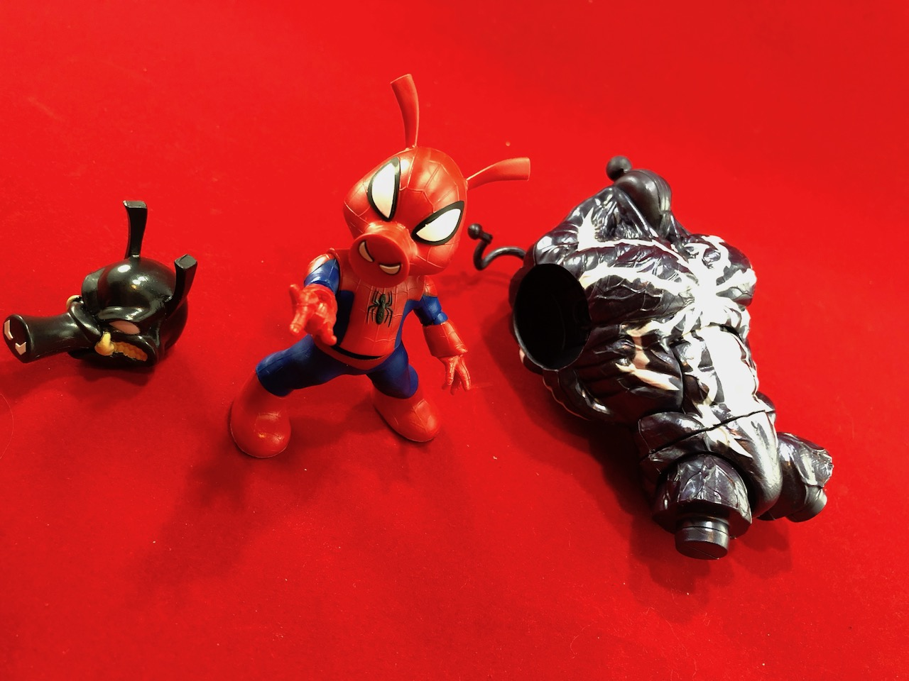 Unboxing the Marvel Legends Spider-Ham (Monster Venom BAF) Spider-Man Hasbro Toy