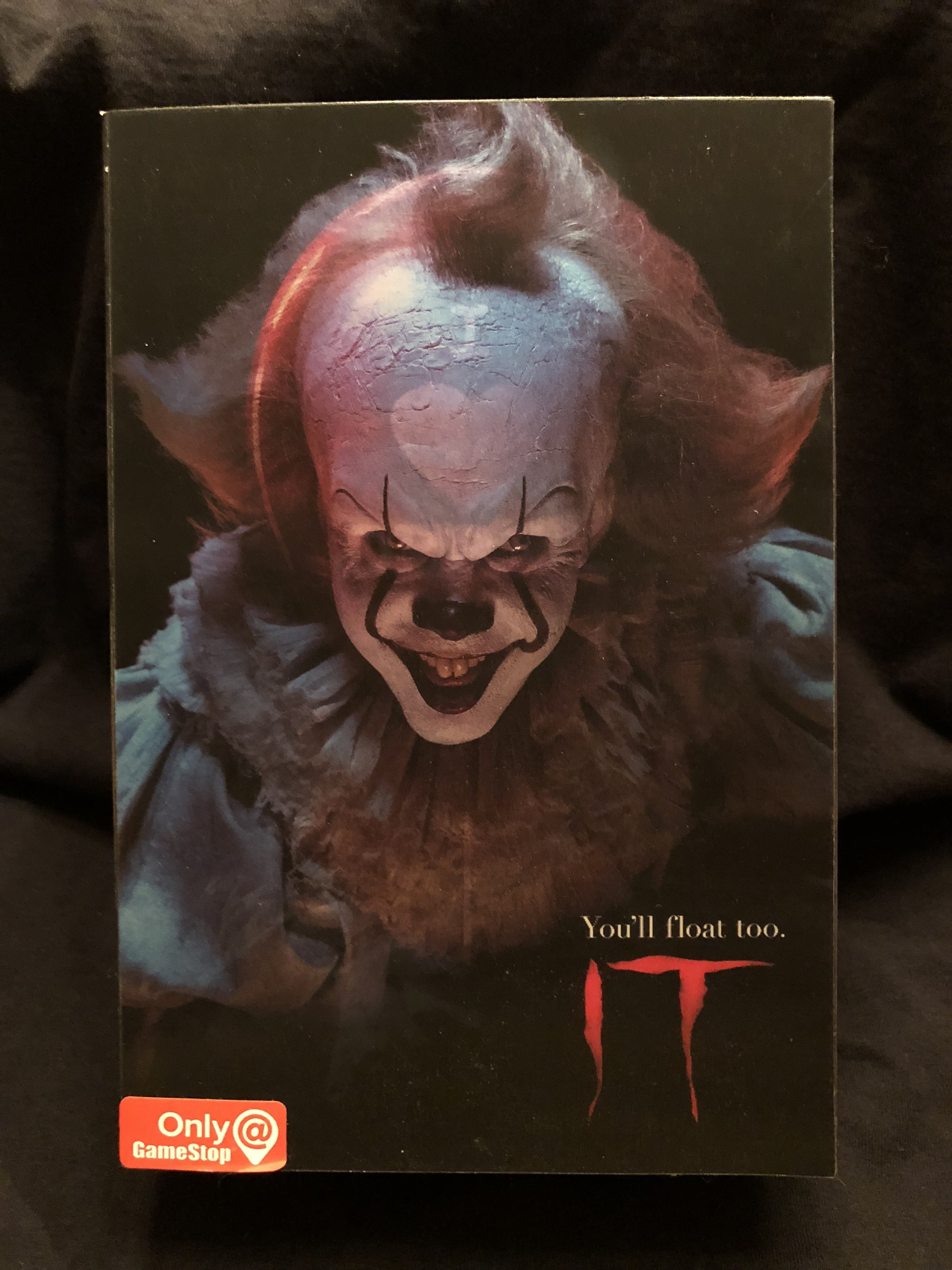 2017 IT Pennywise GameStop exclusive action figure review
