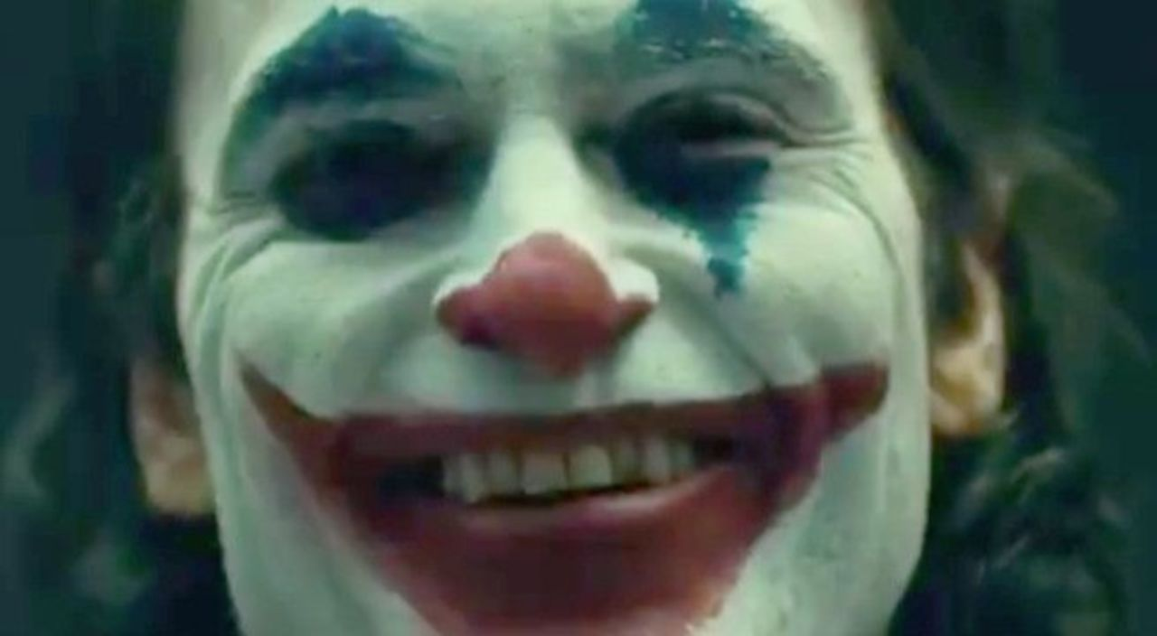 First look at Joaquin Phoenix as the Joker in full make-up