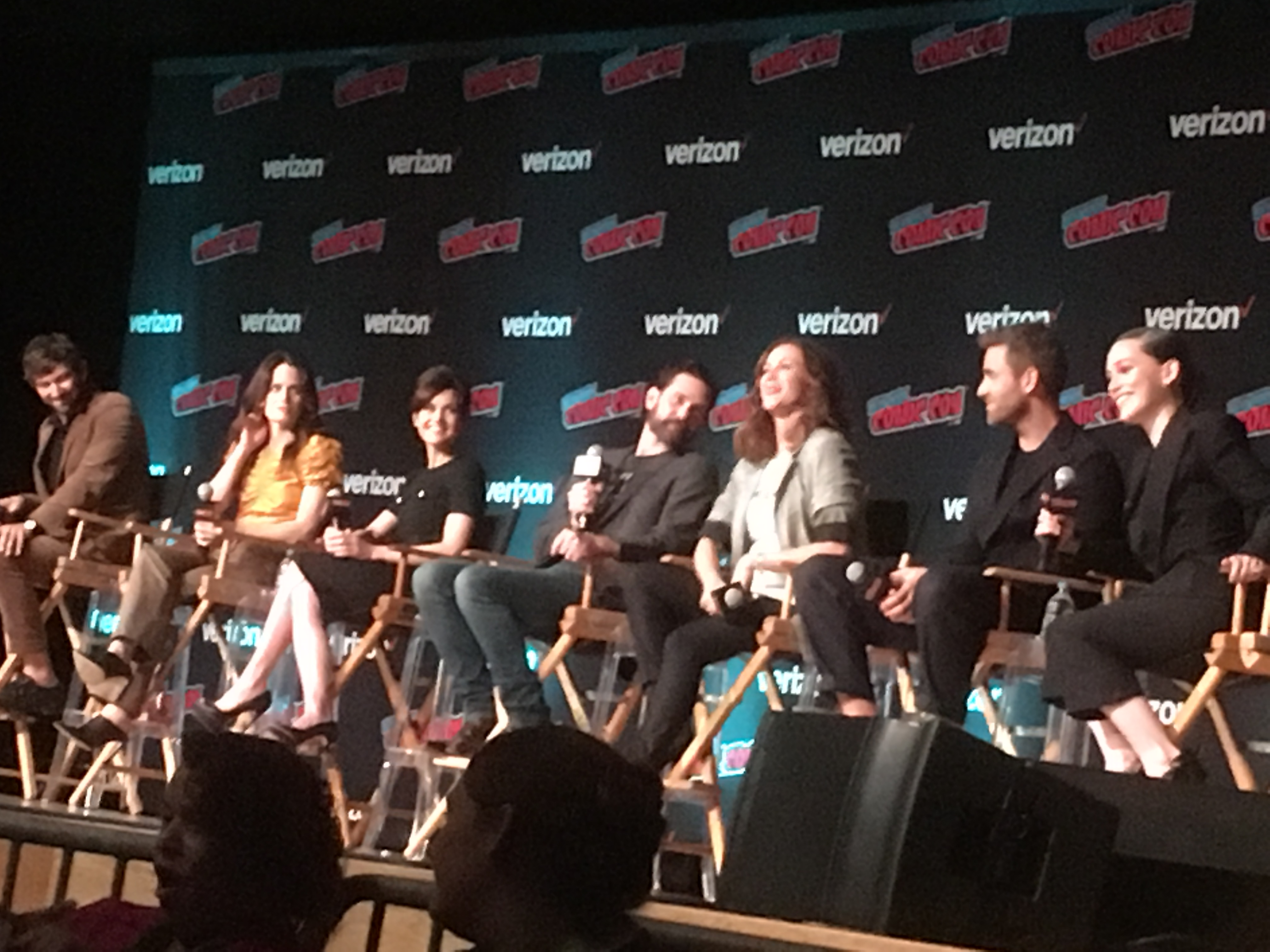 NYCC 2018 audience gets a first look at Netflix's 'The Haunting of Hill House'