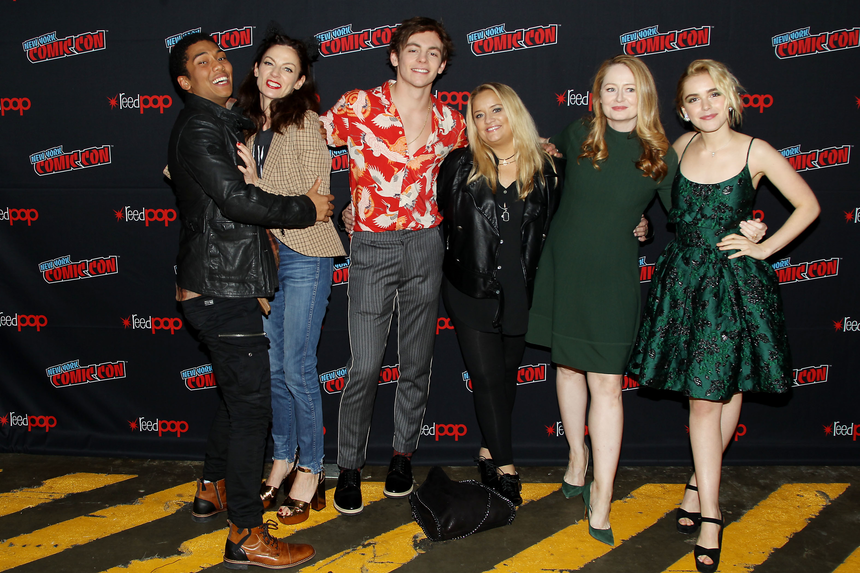 What better way to wrap up the Netflix and Chills event at Friday night's New York Comic Con event than with the cast of The Chilling Adventures of Sabrina? How about with a surprise screening of the first episode?