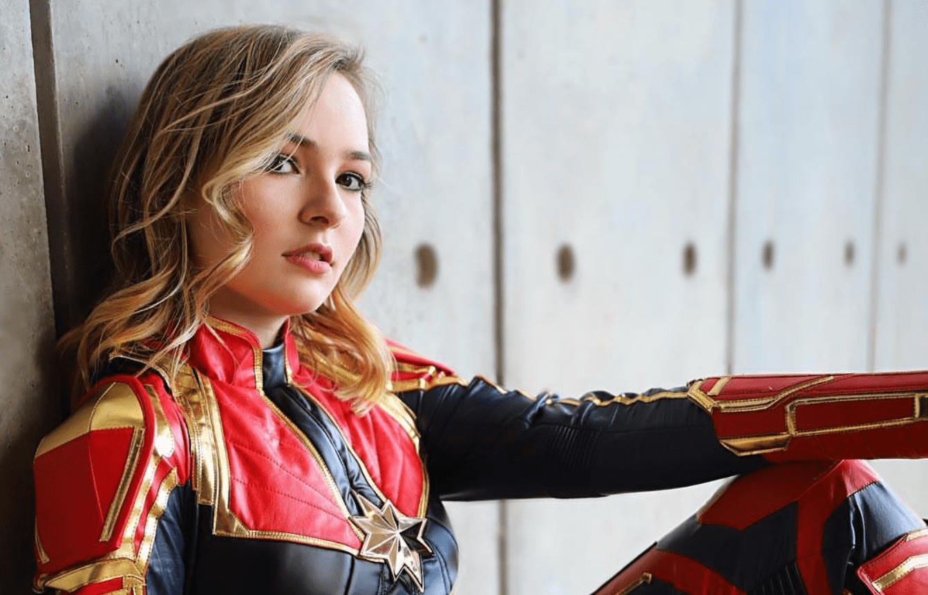 Captain Marvel cosplay by OMGcosplay