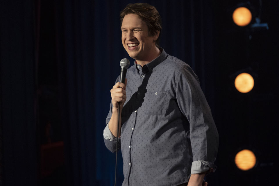 "Interview: Pete Holmes on his new HBO special ""Dirty Clean"""