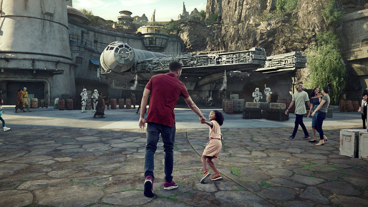 Star Wars in Poor Taste episode 7: Galaxy's Edge and Resistance with Holly Frey