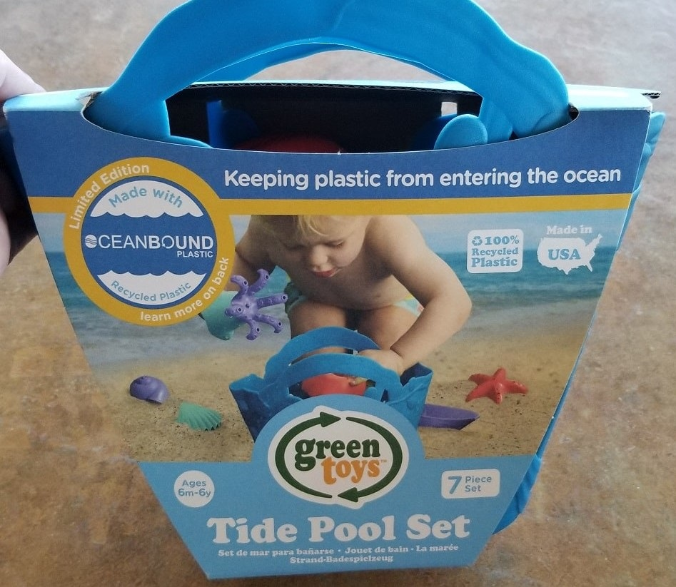 Keep the plastic in the tub:  GreenToys 'OceanBound Tide Pool Set'