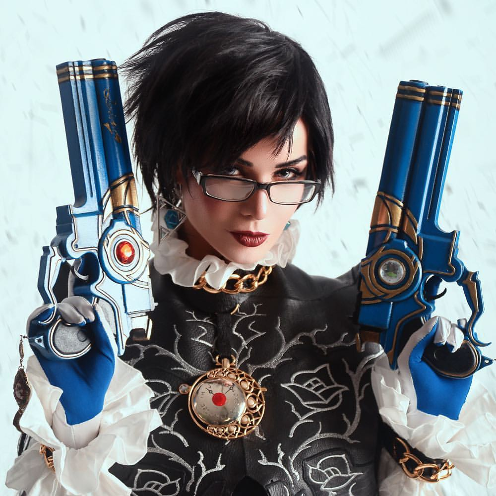 Bayonetta's eponymous, shapeshifting, gun-slinging witch comes to life courtesy of cosplayer Hannushka.