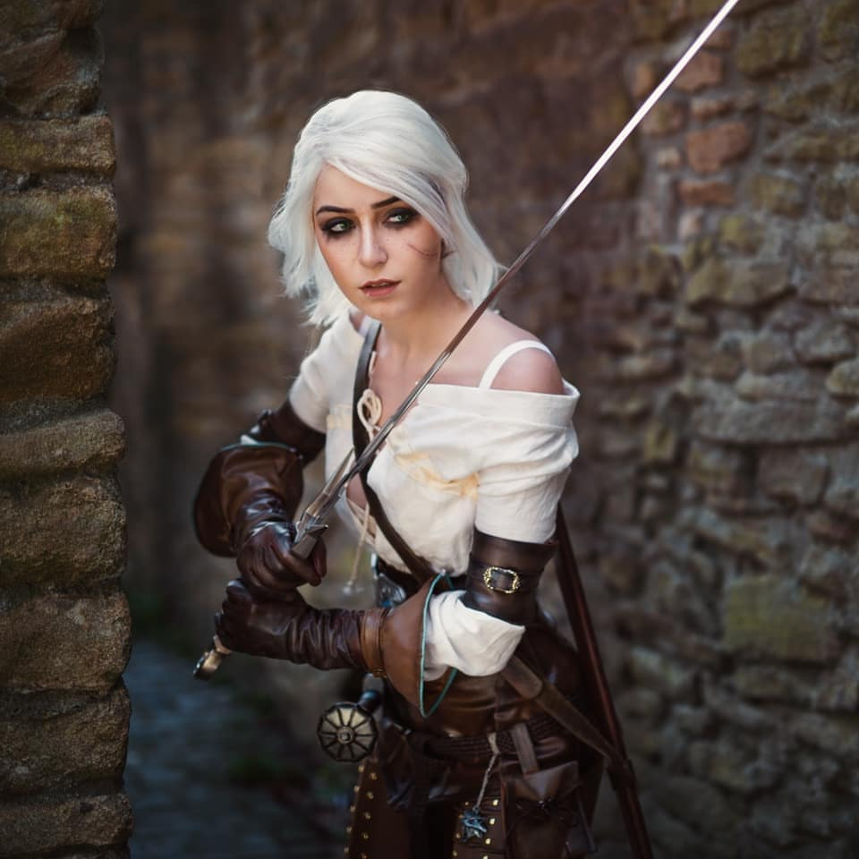 The Witcher: Ciri cosplay by Anni the Duck