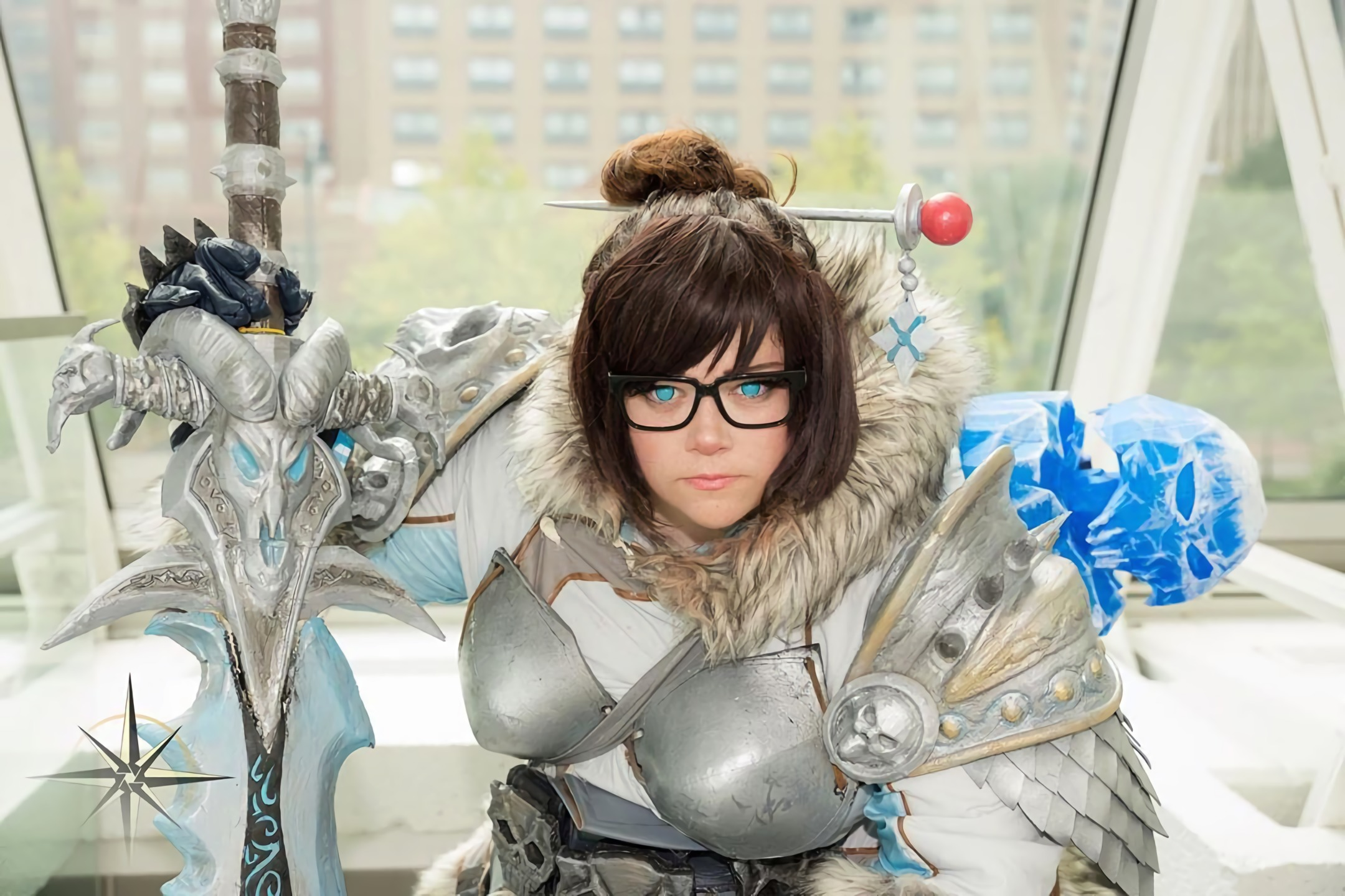 Mei truly becomes an ice queen when she merges with the Lich King in this awesome cosplay from Naetori.