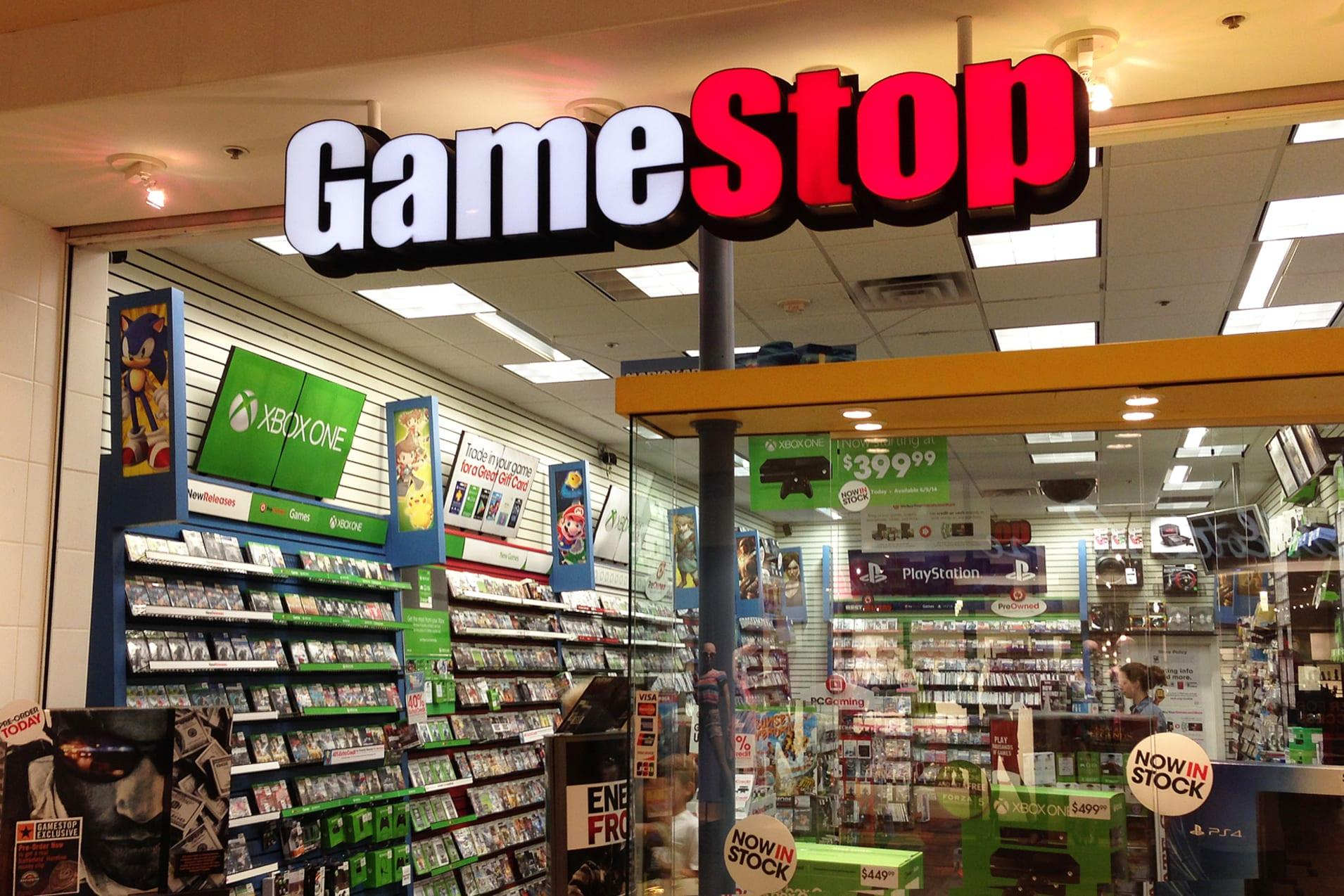 GameStop has announced that it will be permanently closing down over 300 stores this year in an effort to clean up a overly dense amount of brick and mortar locations. The news arrived by way of the company's latest earnings call where it was also revealed that 321 stores were closed last fiscal year and they plan to meet or exceed those closure numbers this year. Currently GameStop has 5,500 retail locations operating across the US.