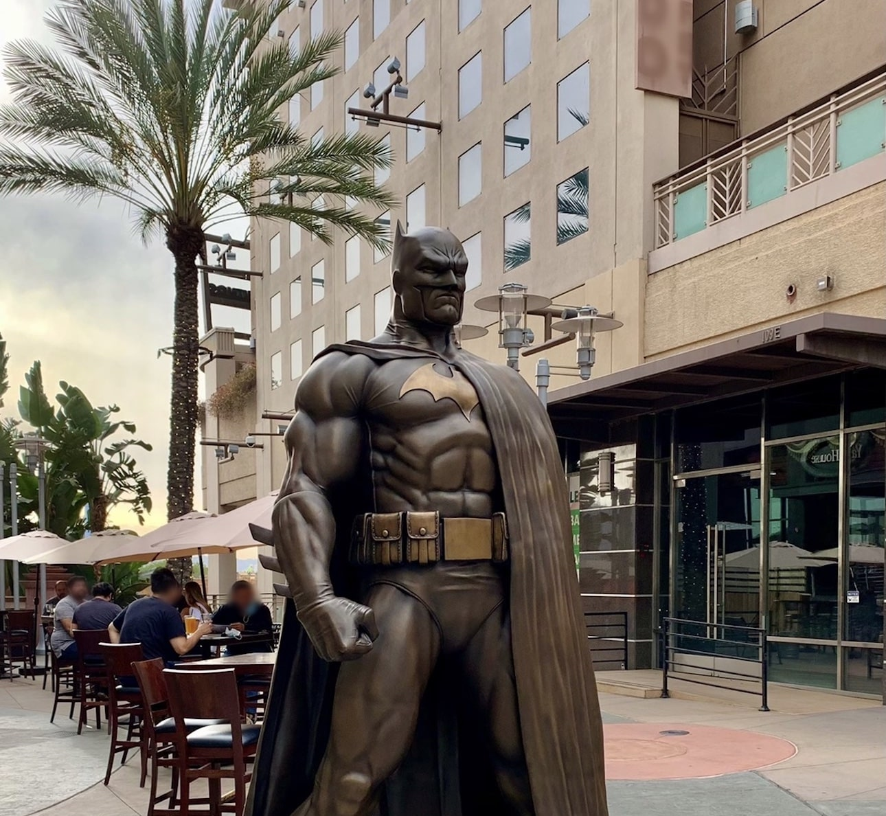 DC Comics and Burbank city team up for 600-pound bronze Batman statue