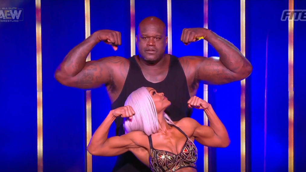 Shaq goes all out at 'AEW Dynamite: The Crossroads'